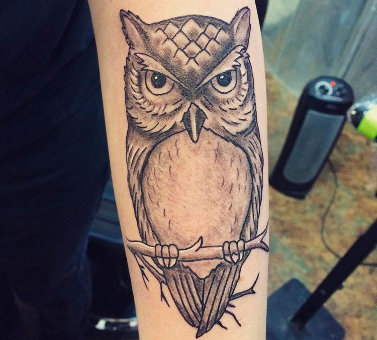 Тату сова на руке