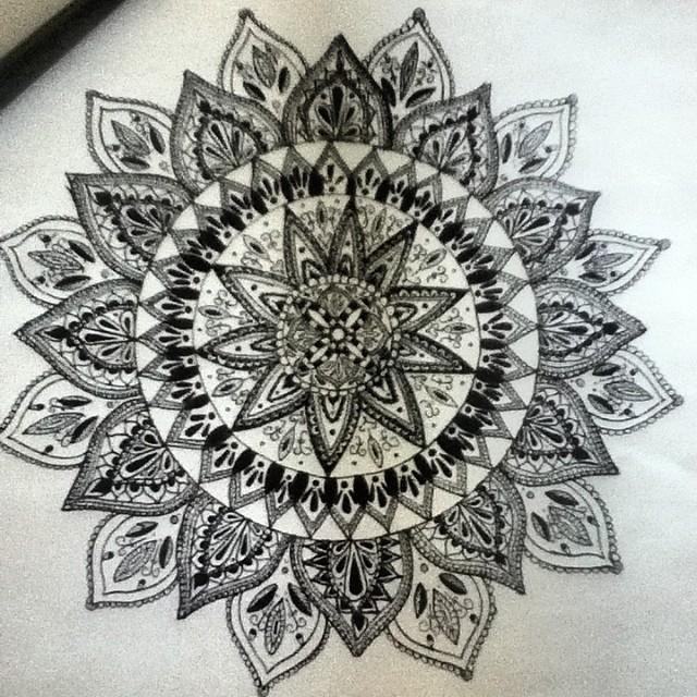 Эскиз татуировки Мандала (135)