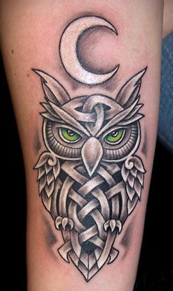 Татуировка совы в кельтском стиле