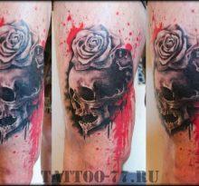 Череп с розой в стиле треш-полька