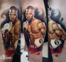 Фотореалистичная татуировка боксера