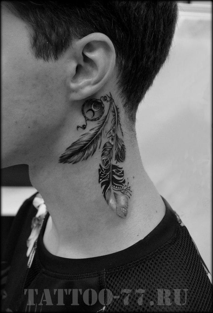 Что означает тату на шее сбоку