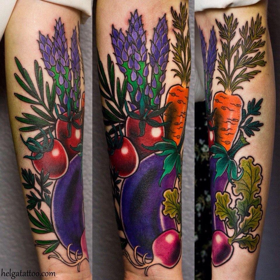 Овощная татуировка на руке