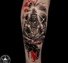 Буддийская татуировка в стиле треш-полька