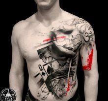 Мужская тату треш-полька на плече, груди и животе