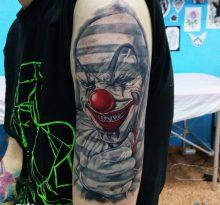 Реалистичный портрет злобного клоуна
