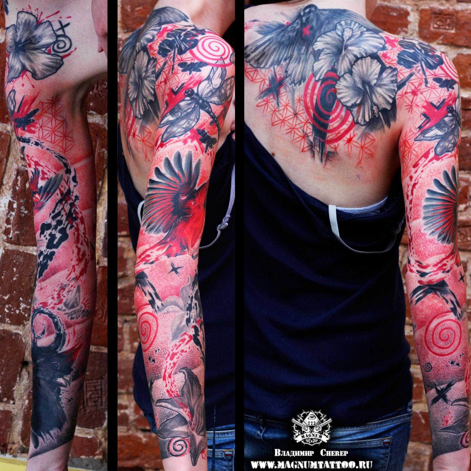 Женская тату на руке и спине в стиле треш-полька