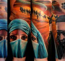 Реалистичные цветные портреты монашки и девушки в маске