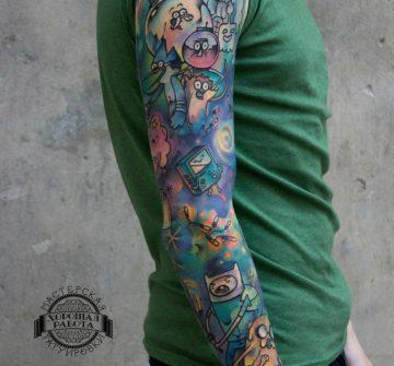 Забавная тату в стиле акварель на руке