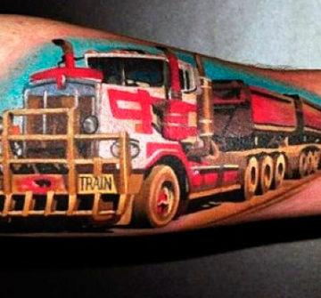 Цветная тату грузовика