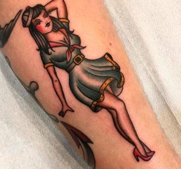 Пинап девушка морячка в стиле олд скул
