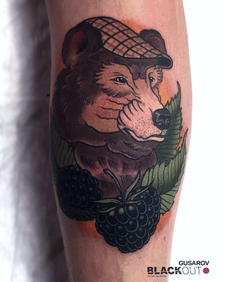 Медведь в кепке