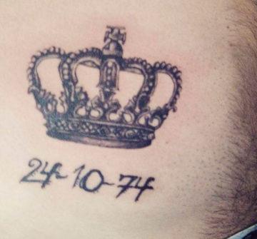 Корона на животе у мужчины