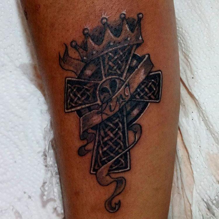 Крест с короной