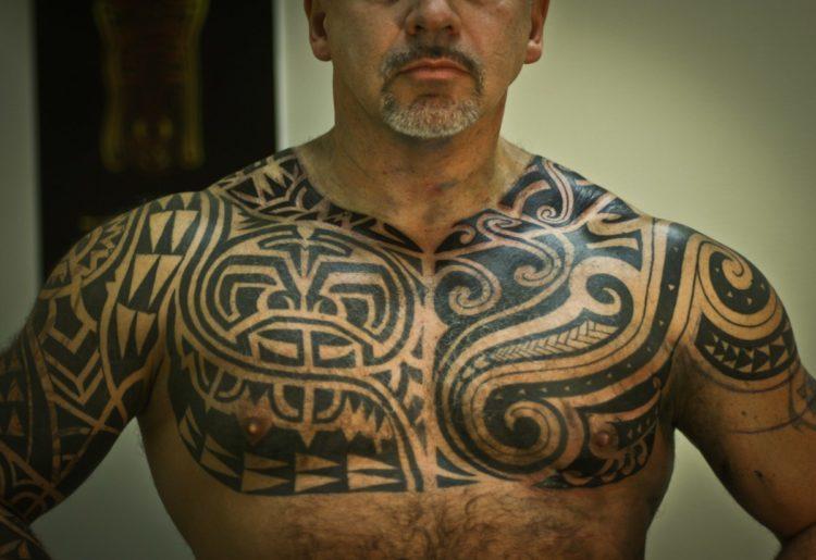 Мужская полинезийская тату