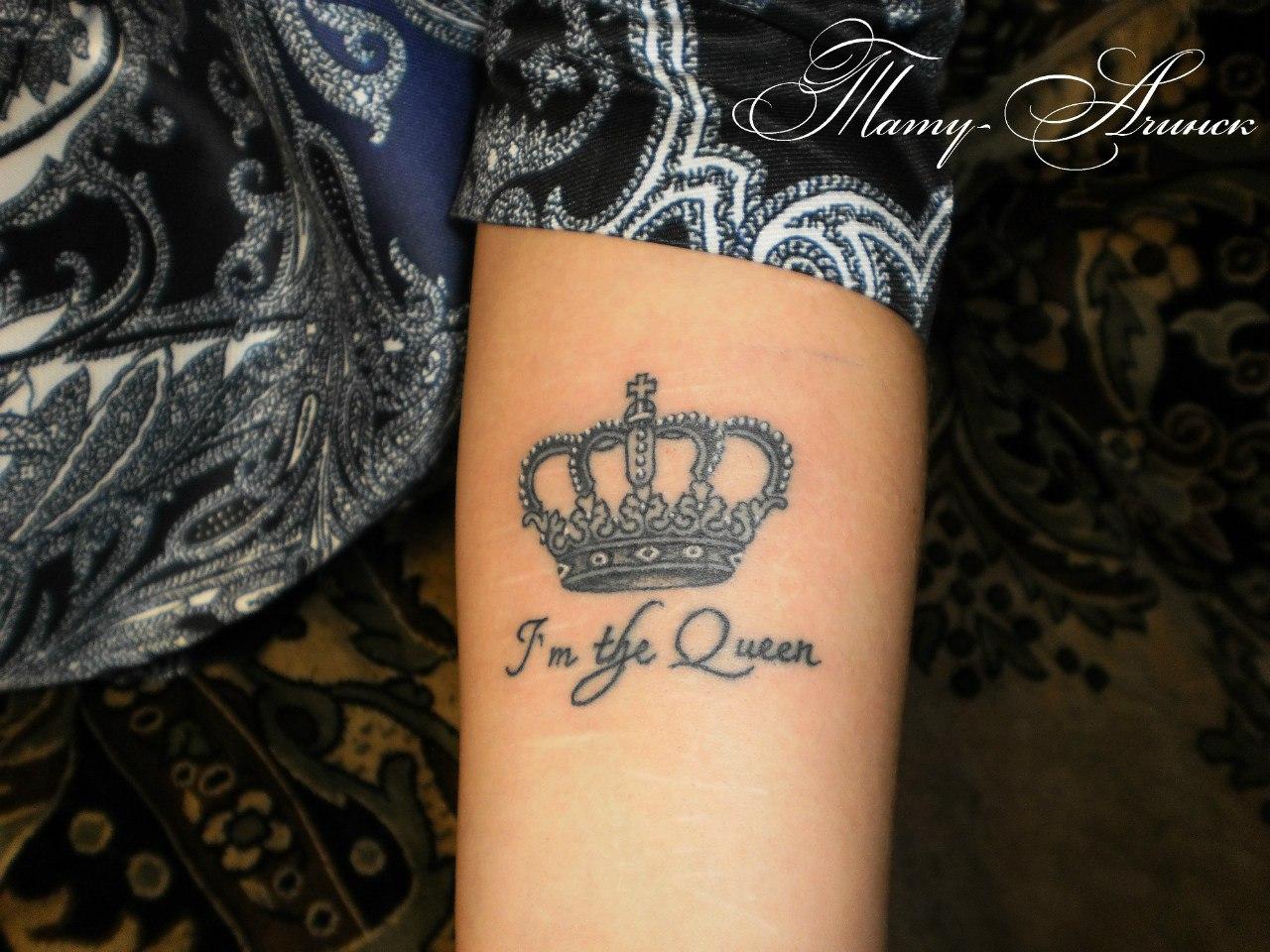 Фото тату короны на руке для девушек