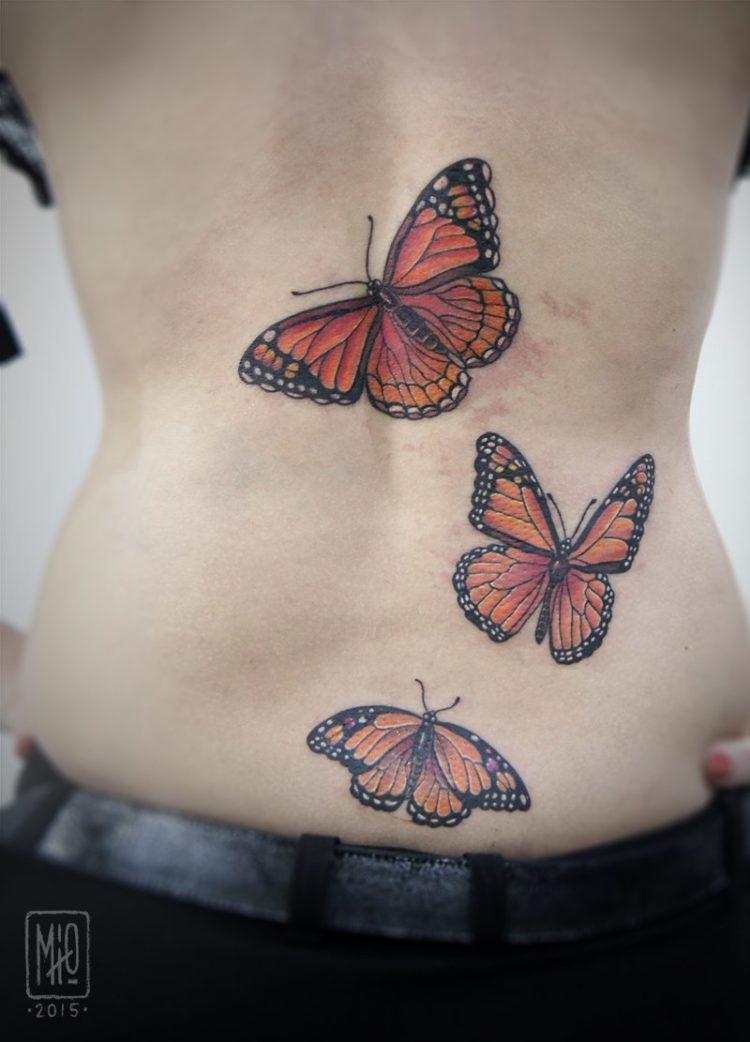 Три бабочки, тату на спине