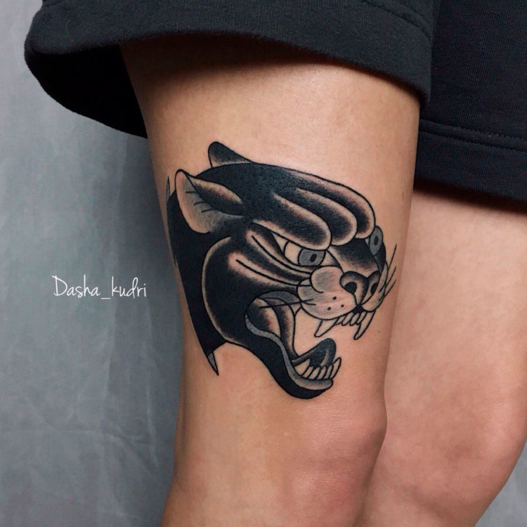 Голова пантеры на ноге