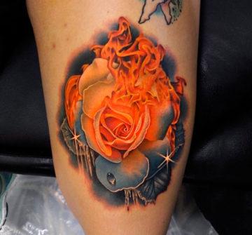 Тату огонь и роза