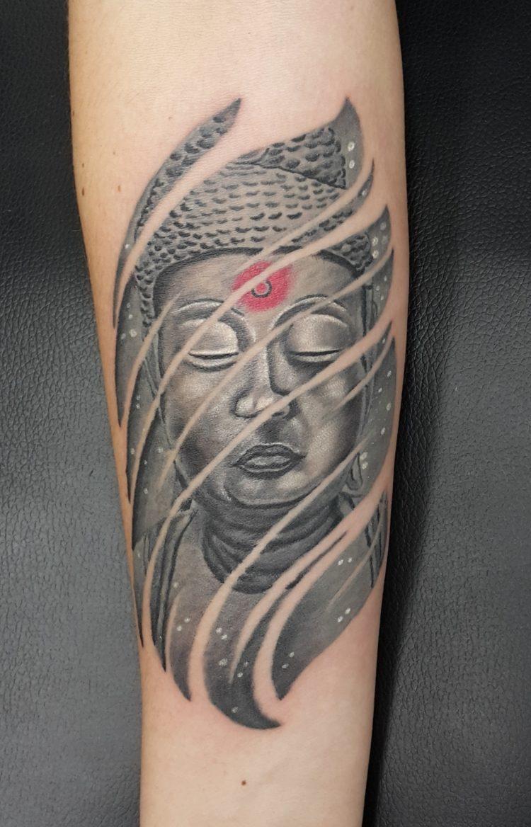 Тату Будда на предплечье