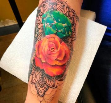 Роза с бриллиантом