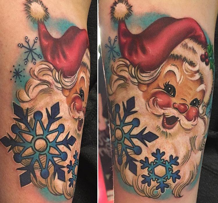 Санта-Клаус со снежинками