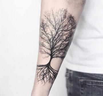 Дерево жизни, мужская тату на предплечье