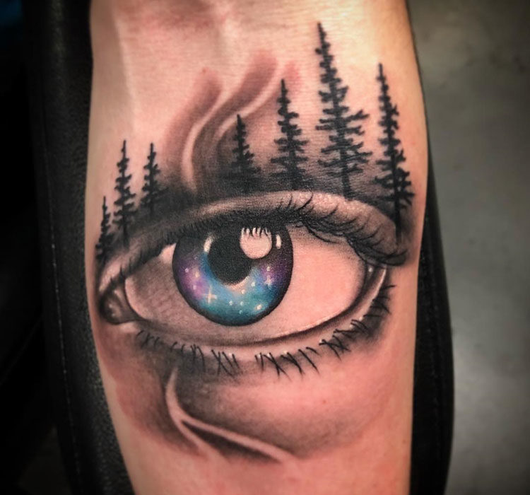 Глаз и деревья, мужская тату на предплечье