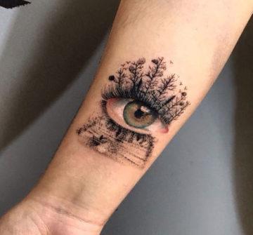 Глаз, мужская тату на предплечье
