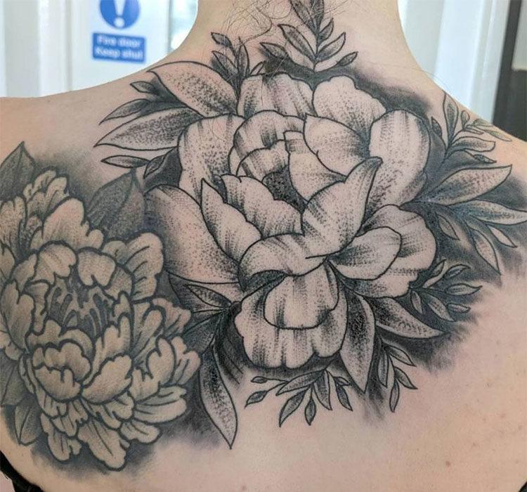 Колье белая роза