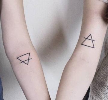 Треугольники, парная тату для девушек