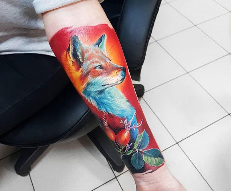 Рыжая лисица, реалистичная тату на руке