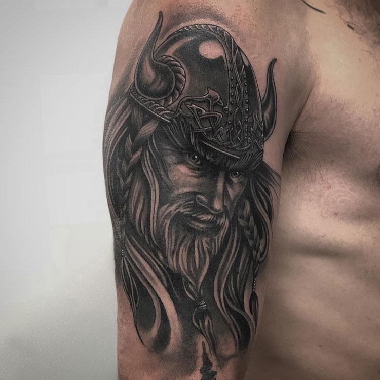 его тату на плече викингов фото самого утра
