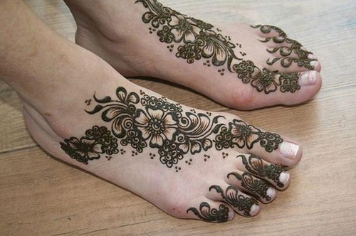 beautiful-foot-henna-design