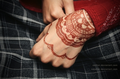 henna-design-for-the-wrist