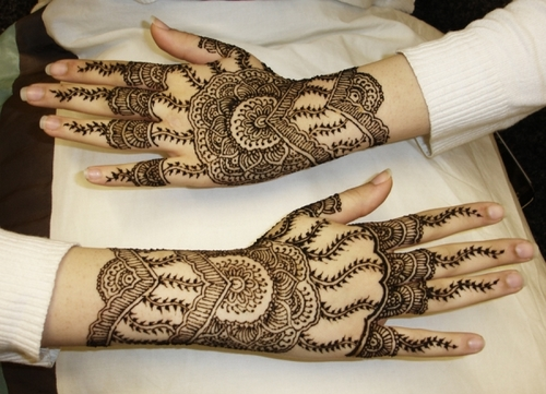outer-hand-henna