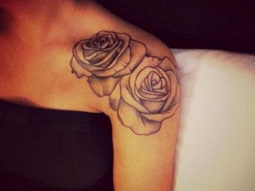 Тату розы на лопатке для девушки фото